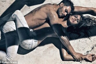 Eva Mendes, sexy pe nisipul fierbinte!