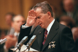 A vrut Iliescu sa opreasca executia Ceausestilor?