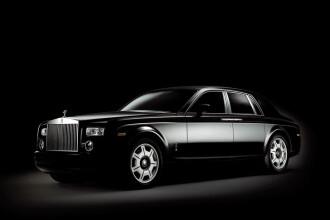 Vezi aici cum si-a transformat Mercedesul in Rolls Royce Phantom