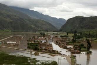 2.000 de turisti, blocati de inundatii in Peru