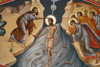 Preotii din Sibiu au inceput sa sfinteasca locuintele de Boboteaza