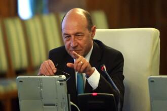 Basescu: Se suspenda recalcularea pensiilor militare