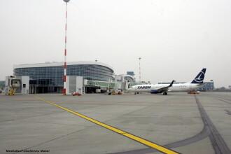 Trei aeronave au aterizat pe Aeroportul Baneasa din cauza cetii de pe Otopeni