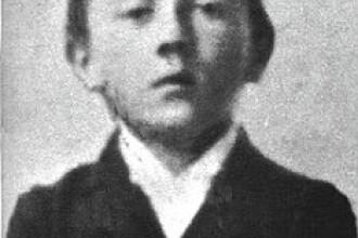Hitler a fost la un pas de moarte cand avea 4 ani. Intamplarea care ar fi putut schimba soarta lumii