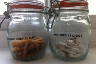 Diferenta intre McDonald's si KFC. Cum arata cartofii prajiti dupa 3 ani de la cumparare