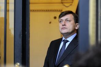 Antonescu: Nu inteleg de ce s-au trimis la presedinte modificarile statutului parlamentarilor