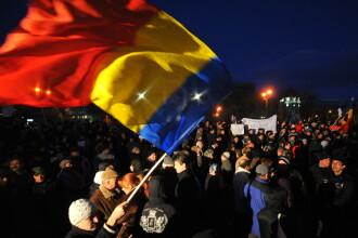 Peste o suta de hunedoreni s-au adunat in centrul Devei
