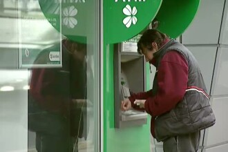 Bancile maresc toate comisioanele pentru tranzactii si retragere de numerar