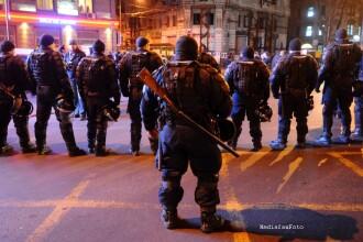 Jandarmi cercetati in patru dosare pentru violentele din Capitala, iar civili in 32 de cauze