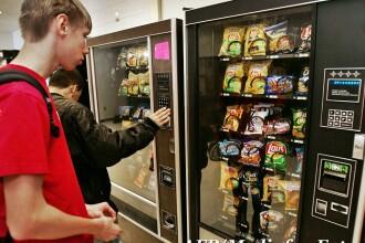 Mancarea junk-food nu ingrasa. Studiul care contrazice legea romaneasca a chioscurilor din scoli