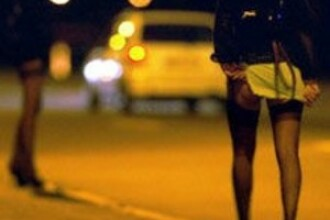 A angajat o prostituata, dar a avut parte de o surpriza. Cine a ajuns la usa unui barbat din Italia