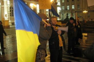 Protestatarii aradeni s-au imputinat, iar jandarmii au prins curaj sa ii amendeze
