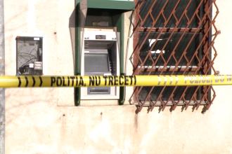Spargere la un bancomat din Ortisoara, judetul Timis. Hotii au fugit cu aproape 200.000 de lei