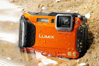 Panasonic Lumix la CES 2013: Camera foto extrema FT5, care rezista in apa si la inghet