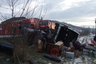 Grav accident pe DN7. Un sofer a adormit la volan si a izbit frontal un microbuz cu pasageri
