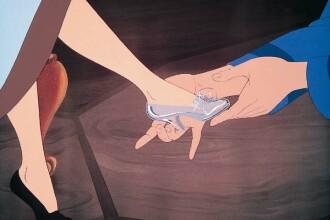 Inelul de logodna din pantoful Cenusaresei, una dintre cele mai creative cereri in casatorie. fOTO