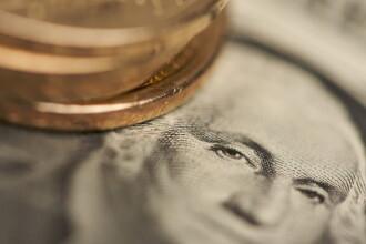 Un nou record atins de dolar: 4,0491 lei. O veste buna vine insa de la euro