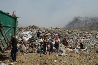 Descoperire macabra intr-o groapa de gunoi din Satu Mare. Bebelus de 14 zile, aruncat intre deseuri