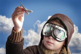 Un chinez in varsta de cinci ani este cel mai tanar pilot de avion din lume. FOTO