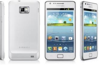 Samsung Galaxy S II Plus imbina performante S II cu designul S III