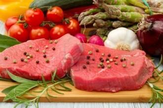 Consumati carne rosie frecvent? Acest obicei poate avea efecte nocive asupra organismului nostru