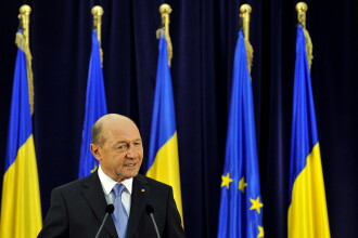 Basescu a plecat de la un eveniment spunand ca nu mai poate sta din cauza