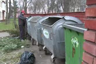 Tone de mancare sunt aruncate la gunoi, dupa sarbatori. Sarmanii Romaniei se bucura, au ce manca!