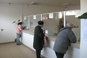 Drumuri inutile la Directia Fiscala Arad din prima zi lucratoare.De cand se incaseaza taxele locale