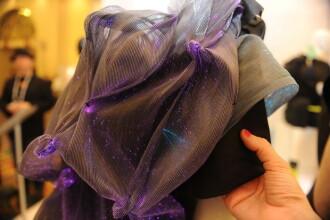 Revolutie in moda. Un designer a creat rochia hi-tech. Cat costa si poate sa faca. FOTO