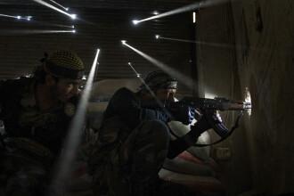 Fotograf, castigator al premiului Pulitzer, concediat de AP pentru ca a modificat digital o fotografie a unui soldat sirian