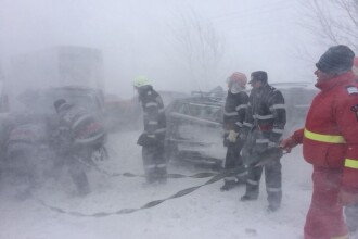 50 de militari cu 5 camioane incarcate cu alimente si apa au plecat spre doua localitati din Prahova
