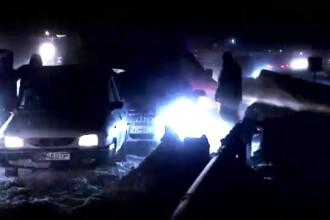Filmul haosului format de ninsori pe autostrada Bucuresti - Pitesti,