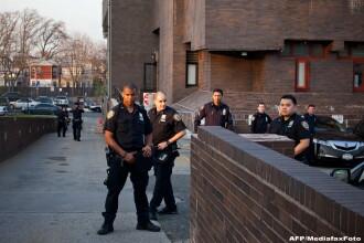 Focuri de armă la o școală din SUA. Un elev a tras cu pistolul asupra unei colege
