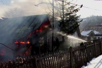 Un batran din judetul Alba a cazut prada focului