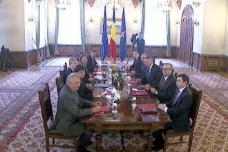 Klaus Iohannis, primele consultari cu partidele parlamentare. Guvernul va aloca 2% din PIB pentru Armata, incepand cu 2017