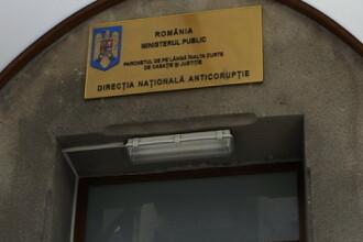 Directorul Finantelor Publice Ploiesti, Daniel Petre, a fost ridicat de procurorii DNA de la sediul institutiei