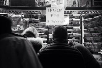 Primul numar Charlie Hebdo de dupa atac nu se mai gaseste la chioscuri, in Franta. Tirajul revistei a fost marit. FOTO