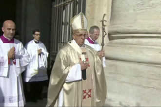 Papa Francisc a primit in audienta un transsexual, pentru prima oara in istorie. Vaticanul nu a confirmat intalnirea
