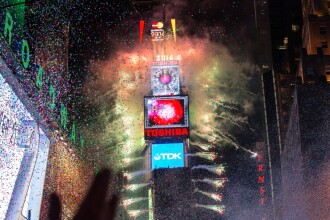 Cele mai spectaculoase imagini de Revelion. Cum au sarbatorit oamenii din intreaga lume intrarea in noul an: FOTO
