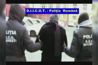 Un barbat din Constanta a fost prins intamplator de politisti dupa ce a folosit carduri clonate. Ce au descoperit la el acasa