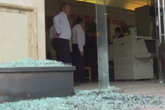 Atac armat in fata unui hotel din Hurghada, Egipt. Trei turisti au fost raniti, iar unul din cei doi autori a fost ucis