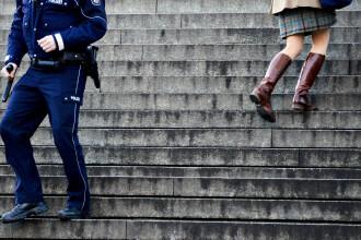 Un bar austriac a interzis accesul migrantilor, dupa numeroasele cazuri de hartuire a femeilor.