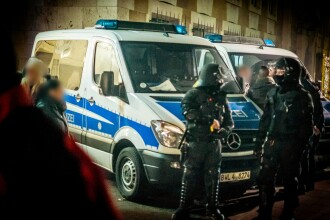 Un barbat sirian a recunoscut ca si-a injunghiat mortal sora insarcinata, in Germania. Ipoteza procurorilor