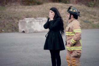 Gestul incredibil prin care un pompier american si-a cerut iubita romanca in casatorie: