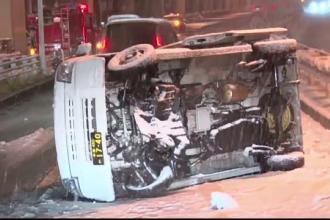 Probleme in Tokyo din cauza ninsorilor. Accidente pe sosele si 100 de zboruri anulate