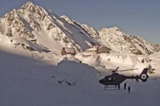 Doua elicoptere au fost trimise dupa cei 68 de turisti blocati la 2000m altitudine. Cum a decurs operatiunea de salvare