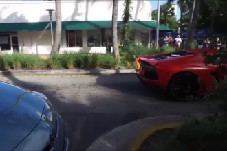 Si-a lasat Lamborghiniul pe mana unui valet, dar a regretat amarnic. Ce s-a intamplat cand acesta a vrut sa-i testeze motorul