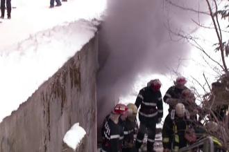 Un bloc din Brasov a fost evacuat, dupa ce la subsol a izbucnit un incendiu. Ce au povestit locatarii ca au vazut