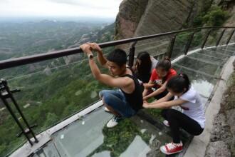 Podurile de sticla, noua atractie turistica in China.
