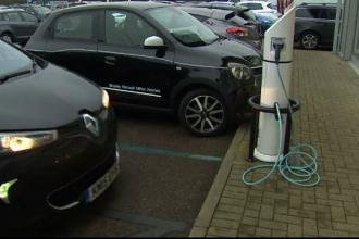 Facilitati pentru britanicii care isi cumpara masini electrice. Suma pusa la bataie de guvern pentru transportul verde